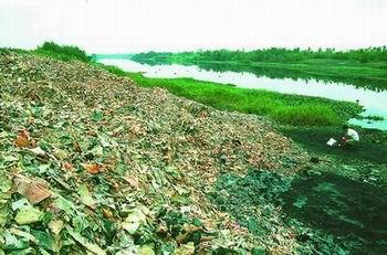 图示1. 固体废弃物污染 触目惊心的电子垃圾